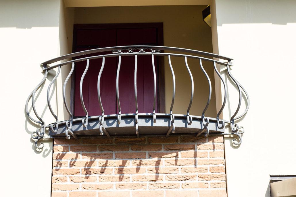 Ferro design di bortolazzo gianni arredamento in metallo for Come costruire un mazzo di portico anteriore